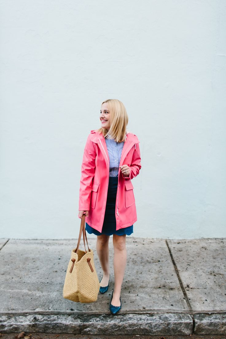 @LookLingerLove looks ready for Spring with our pink raincoat.