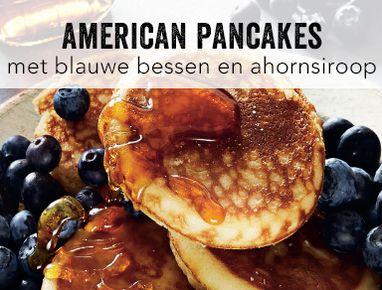American pancakes aux myrtilles et au sirop