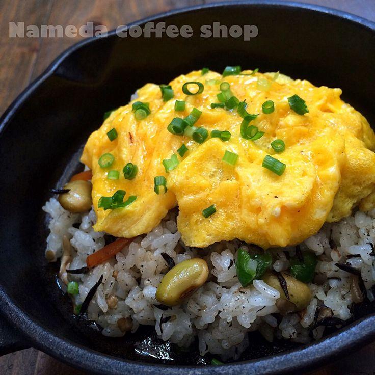 七海's dish photo スキスキ スキレット45 和ムライス | http://snapdish.co #SnapDish #お花見 #オムライス #ひじきの日(9月15日) #豆の日(10月13日) #いいたまごの日(11月5日)