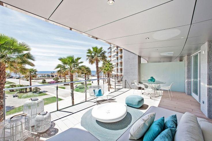 Luxuriöses Wohnen auf höchstem Niveau Direkt in der ersten Meereslinie ist dieses wunderbare Neubauprojekt…