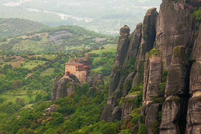 Meteora, Thessaly www.house2book.com