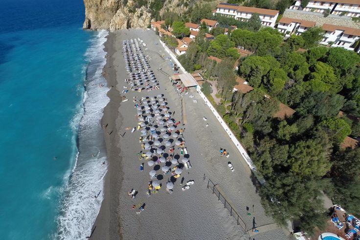 Il Th Resort Capo Calava Villageè su una delle più belle spiagge della Costa Saracena