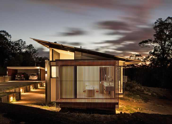 Louvered Wallaby House Maxmimizes Space and Energy Efficiency on Australia's Sunshine Coast