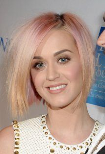 """Katy Perry Performs An Emotional """"Wide Awake"""" For Billboard Music Awards Crow"""