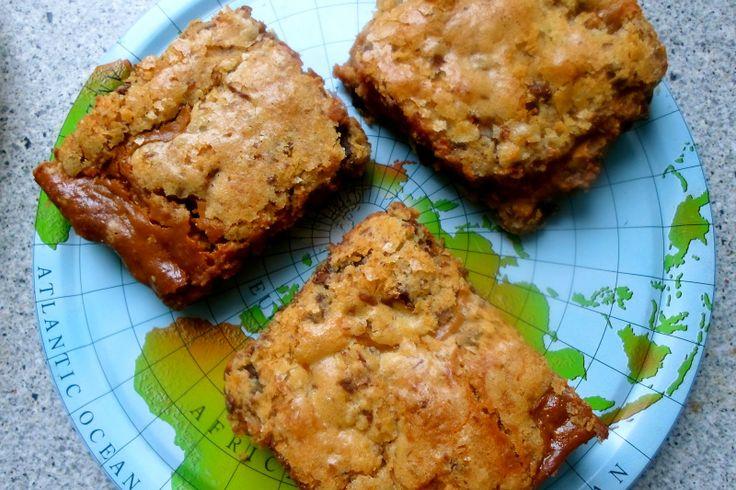 Chocolate chip cookie bar med saltet karamel / chocolate chip cookie bar with salted caramel.