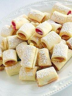 Răsfățați-i pe cei mici cu niște fursecuri delicioase, din aluat sfărâmicios…