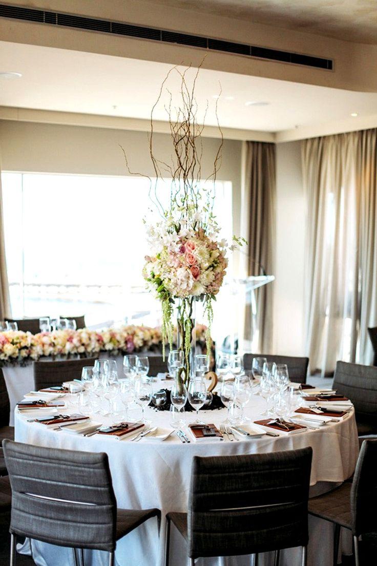 Композиция на свадебный стол.  #оформлениесвадьбы #оформление #красиваясвадьба #необычнаясвадьба #декор #дизайн #свадьбамосква #банкет  #букетневесты #флористика