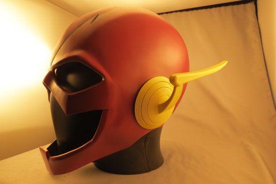 Par demande populaire, je vous propose maintenant les ailes de l'oreille de 52 nouveaux Flash.  Imprimée en 3D en plastique ABS, cet accessoire de costume seule pièce peut être attaché à votre masque pour cosplay précis.  S'il vous plaît sélectionnez l'une des trois finitions : or, jaune, ou peinte.  S'il vous PLAÎT NOTE: Vous pouvez obtenir ces deux façons différentes. Si vous avez acheté le masque de casque Flash XCOSER, ces ailes sont conçus pour enlever leurs éclairs et remplacer avec…