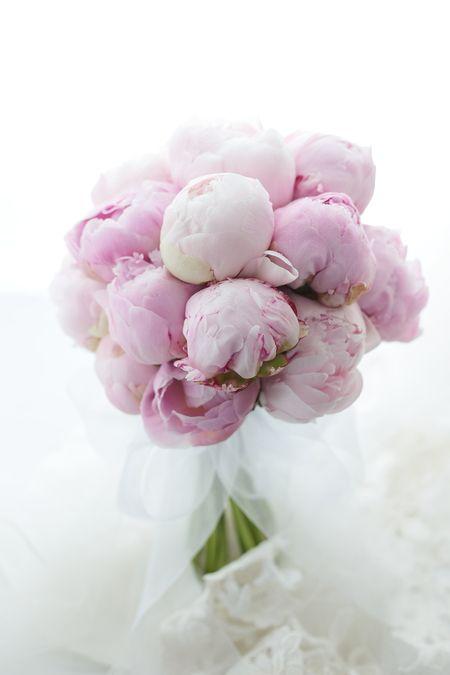 ピンクの芍薬のブーケ ザ・ペニンシュラ東京さまへ 春酔 の画像:一会 ウエディングの花