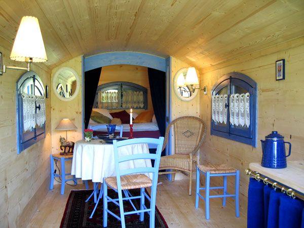 150 best images about cirkus vogn circus wagon shepherdstown hut on pinterest bespoke gypsy. Black Bedroom Furniture Sets. Home Design Ideas