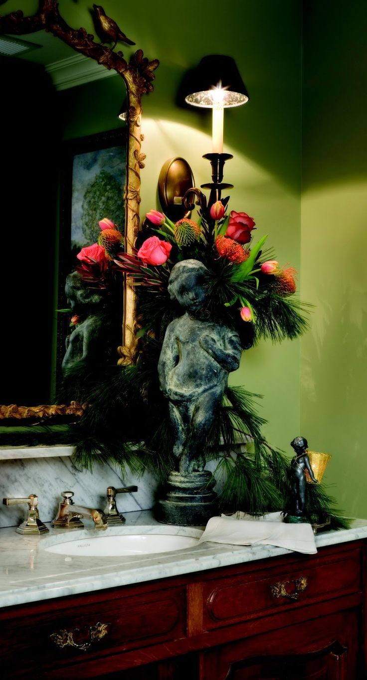 Decorate Your Interiors With Classical Statuary Garden