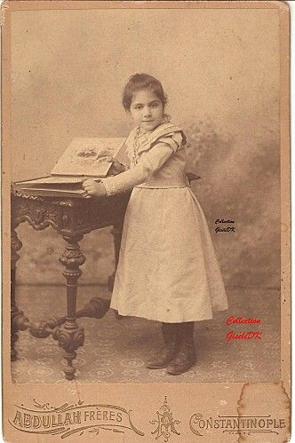 Osmanlı Fotoğrafcılığında Ermeni'lerin Rolü (Vahan Altiparmak), Une petite fille photographiée par les Frères Abdullah en 1870, team-aow.discuforum.info