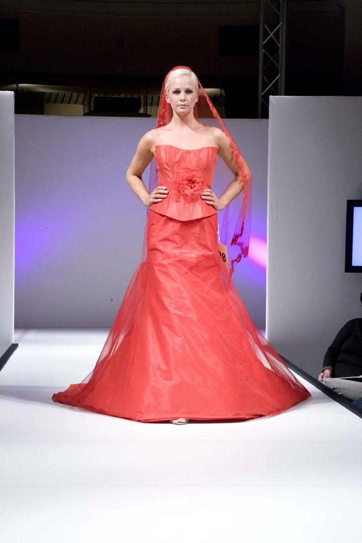 886 - Gekleurde bruidsmode - Bruidscollecties - Bruidshuis Elly