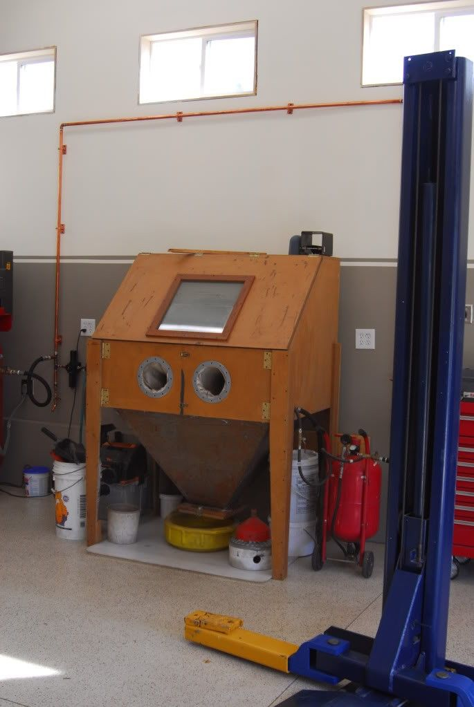 Blasting Cabinet by toms73novass -- Homemade blasting cabinet constructed from plywood, 2x4s, expanded metal, sheetmetal, and plexiglass. http://www.homemadetools.net/homemade-blasting-cabinet-8