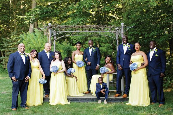 Dark Blue And Yellow Wedding: Great Color Combination: Pale Yellow And Navy. An Accent