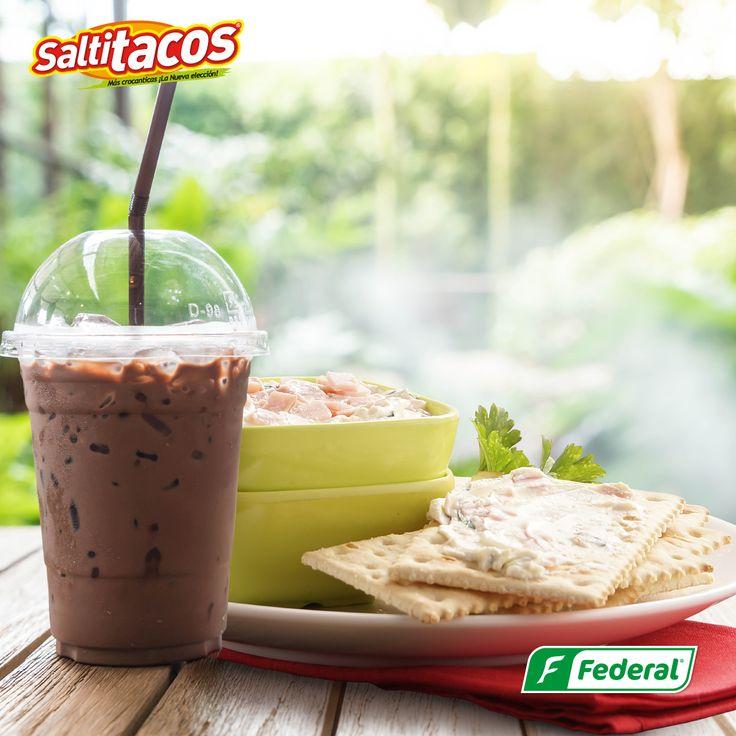 ¡Un poco de frescura!  Imagínate el delicioso sabor de Saltitacos, combinado con dips de jamón y un refrescante Smoothie, para esta calurosa tarde de viernes. #GalletasFederal
