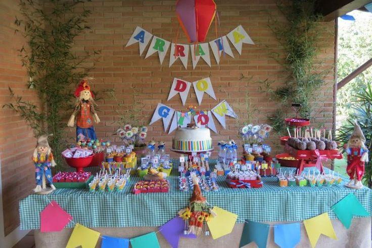 Seu Chá de Bebê vai ser em junho? Que tal aproveitar o clima de festa Junina e fazer um Chá de Bebê Arraiá?! Confira as várias dicas de decoração aqui!