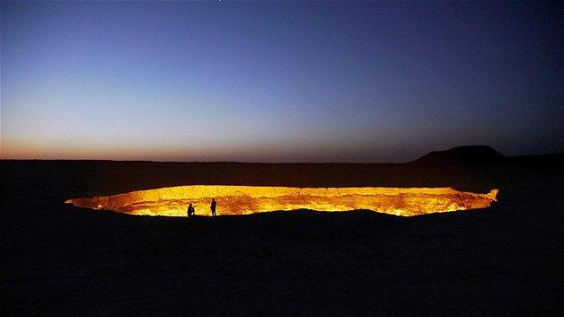 """""""Gerbang Neraka"""" di Gurun Karakum, Turkmenistan"""