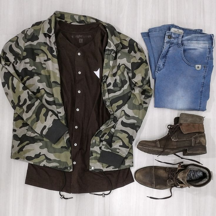 Jaqueta Camuflada Forever21, Camiseta jersey Marrom Right Here, Calça jeans Skinny, Bota Masculina Marrom Democrata. Moda Masculina, Moda para Homens, Roupa de Homem, Moda Masculina 2017,