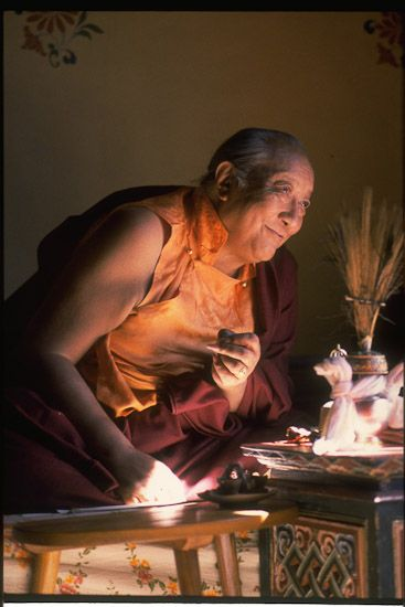Mind filled with faith ~ Dilgo Khyentse Rinpoche http://justdharma.com/s/mno69  If you waste your life now on endless minor tasks, you can be sure that at the time of death you will weep with regret and be stricken with intense anxiety, like a thief who has just been thrown into jail and anxiously anticipates his punishment. A person might find himself with nothing to eat, no clothes to wear, and no house to live in; but if his mind is filled with faith in his teacher and the Three Jewels…