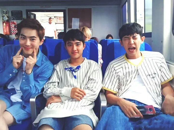 expirekaimp3 : suho looks like a dad whos taking his sons on vacation except chanyeol wont stop crying because kyungsoo pinched him http://t.co/wEVNNEWQIK | Twicsy - Twitter Picture Discovery