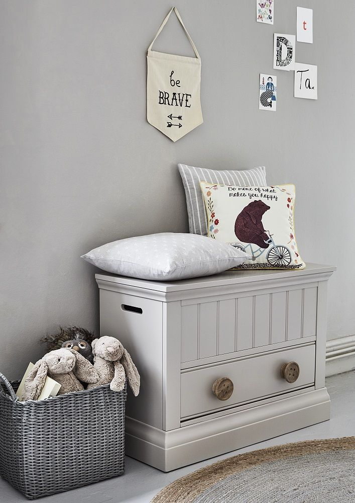 Buttons Blanket Box | A classic look for a child's bedroom, the Buttons range features cute wooden button handles.