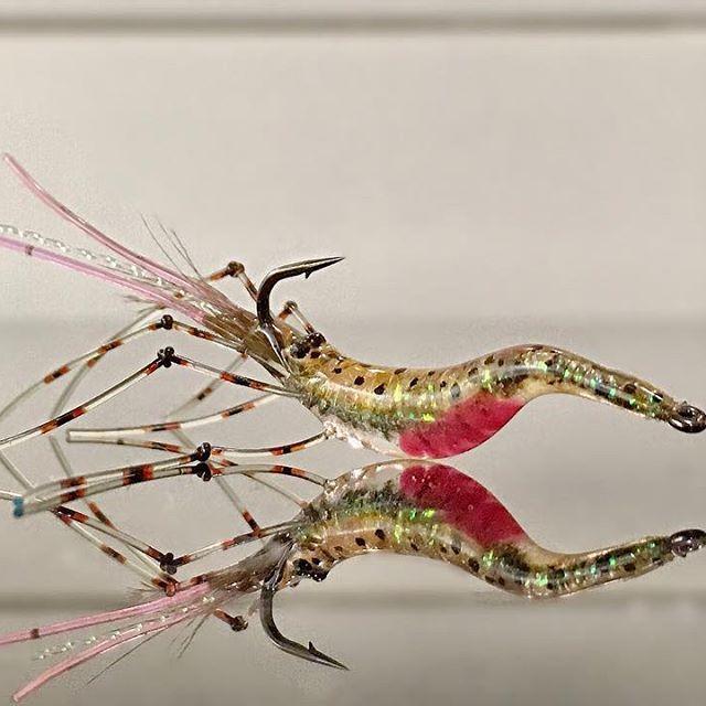 TGIF!  Glass Shrimp inspired. #glasshrimp #flytying #flydreamdotse #solarez #flugbindning #flyfishing #flyflasher
