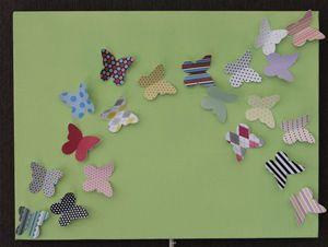 Schilderij met papieren vlinders