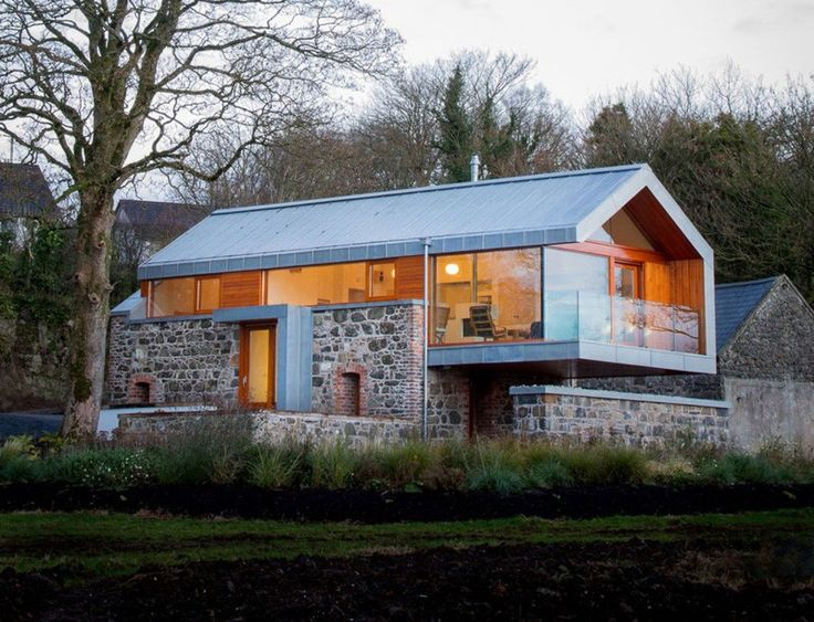 Renovated Home Combined With Barn - http://www.usualhouse.com/renovated-home-combined-with-barn/