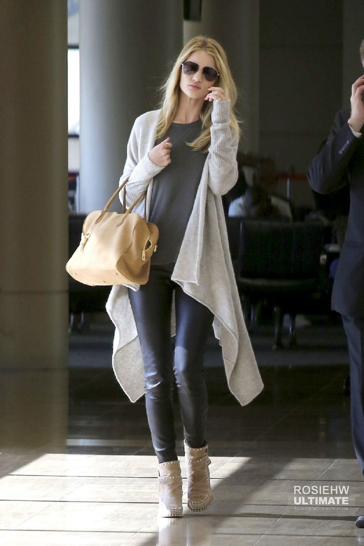 2013 > Arrives at LAX Airport