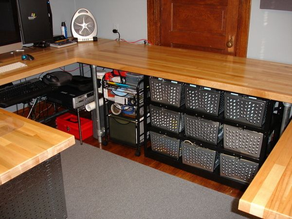 1000 images about pipe desks on pinterest industrial for Wrap around desk plans