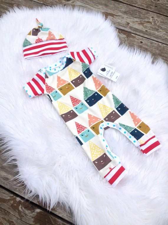 Organic baby romper with hat set. Take home outfit. Gender neutral. red white stripes happy town. One Piece outfit. Size 0-3 months.