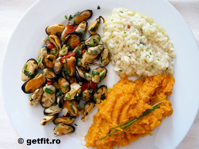Midii cu busuioc / Mussels with basil
