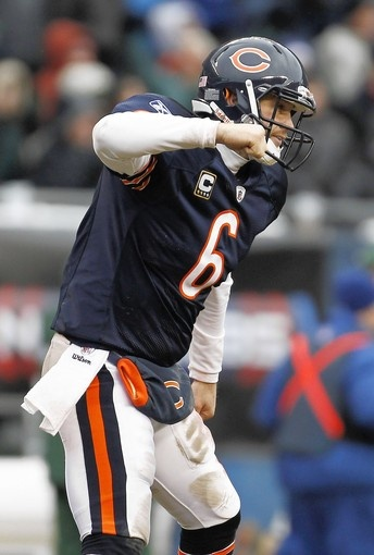 Jay Cutler, an NFL quarterback for the Chicago Bears, will try to continue his success this season!