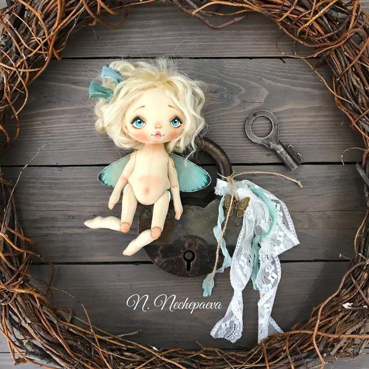 Всем хороших выходных! #текстильнаякукла#авторскаякукла#интерьернаякукла#коллекционнаякукла#куклаизткани#куклавподарок#кукласвоимируками#ручнаяработа#подарок#екатеринбург#doll#dolls#artdoll#dollartistry#instadoll#artdoll#art#москва#питер#present#puppet#handmadedoll#кукла#fabricdoll#авторскаяработа#инстаграмнедели#кукларучнойработы#любимоедело