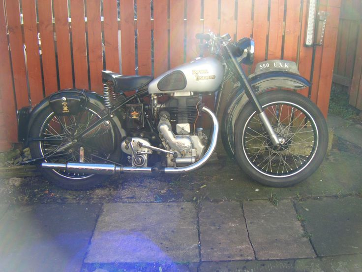 1950 ENFIELD MODEL G , IN NICE CONDITION, UNUSED SINCE 2012, STARTS AND DRIVES ,BUT REQUIRES MINOR FETTLING DUE TO LYING UP SINCE 2012.MOT AND TAX EXEMPT, ALL DOCS PRESENT , OVERALL THIS IS A VERY NICE MACHINE , NICE WHEELS AND TINWORK ,ALL LIGHTS ETC WORK ,GREAT SPARK FROM MAG ,VERY SOLID BIKE ,ALMOST 70 YEARS OLD,GREAT INVESTMENT , CORRECT FRAME AND ENGINE NUMBERS , CERT FROM ENFIELD OWNERS CLUB , NON TRANSFERRABLE NUMBER PLATE. HARD TO FIND IN THIS CONDITION. BIKE IS IN FALKIRK NEAR…