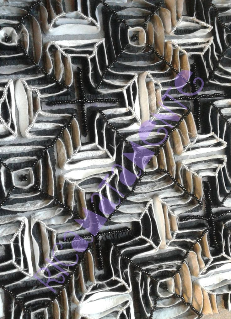 Black&white Labyrinth fabric application and beads
