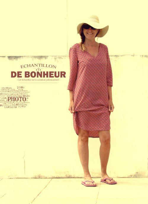 Quoi de mieux que de porter une robe qui se nomme Brise pour aller à la plage ? Il arrive qu'en fin d'après midi, un petit vent léger et régulier se lève au bord des côtes mais on a tout de même envie de rester à contempler la mer ... On s'enroule dans...
