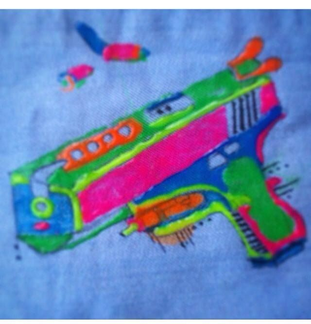 Puff paint pistol by Maia Lillford
