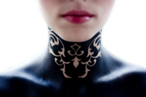 not sure if this is body paint or a tattoo - ☽ I howl at the rising moon ☾