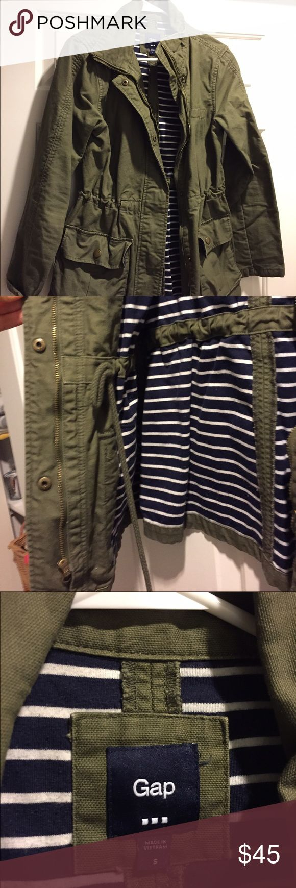 Women's Utility Jacket Women's Utility Jacket from Gap. Olive green outside, blue and navy white stripe inside. This is a good fall coat, has a drawstring on the inside to add shape, also zips up and buttons. Excellent condition, no damages. GAP Jackets & Coats Utility Jackets
