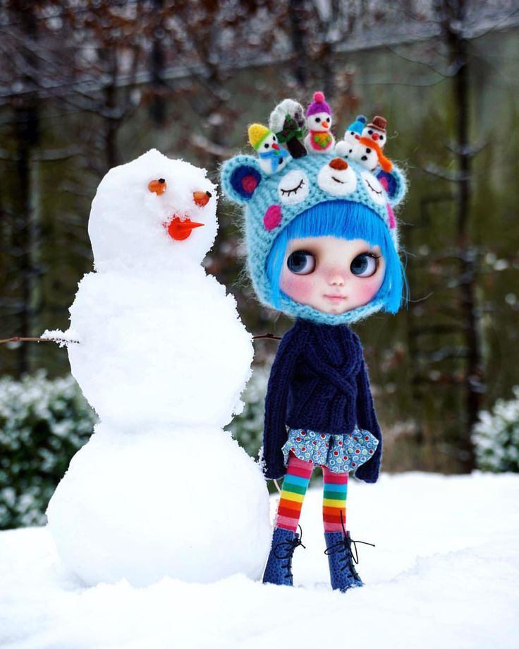 ..good morning Berlin.. #miema #miemadollhouse #blythe #blythedoll #instagood #love #lovely #snow #snowman #snow2017 #toys #bluehair #doll #instablythe #girl #winter #schneemann #berlin #germany #instablythe #outdoor #fun