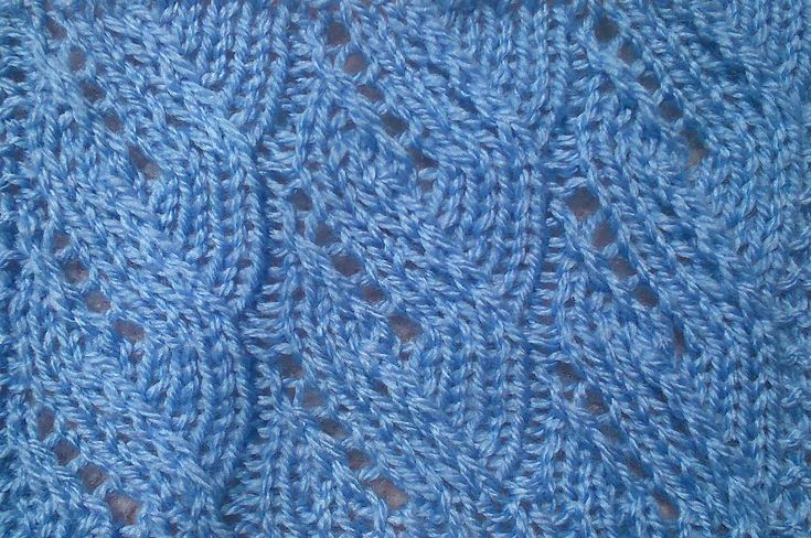 Knitting Stitches Twisted : TWISTED STEM LEAVES KNITTING STITCH TUTORIAL Knitting and crochet Pintere...