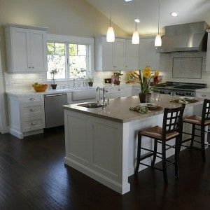 Kitchen Cabinet: White Color