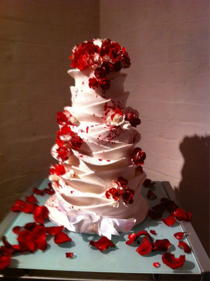 red and white wedding cakes with roses painted wedding cake wedding stuff 19104