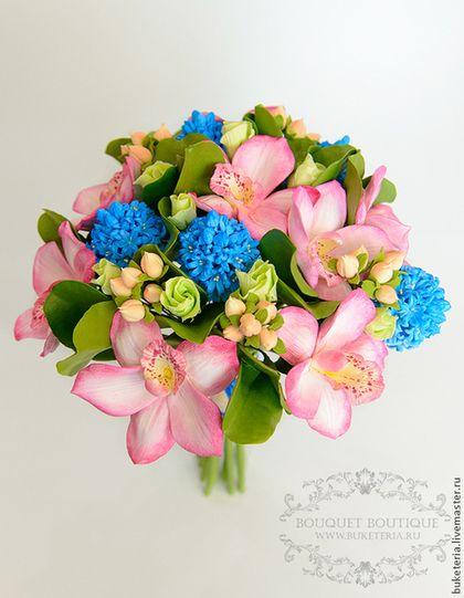 Свадебный букет невесты с орхидеей и гиацинтом