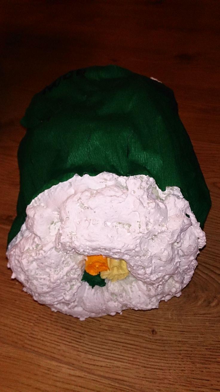 Surprise, Sushi rol van pur en crepe papier. Let op de pur zet nog uit...zoals in mijn voorbeeld.