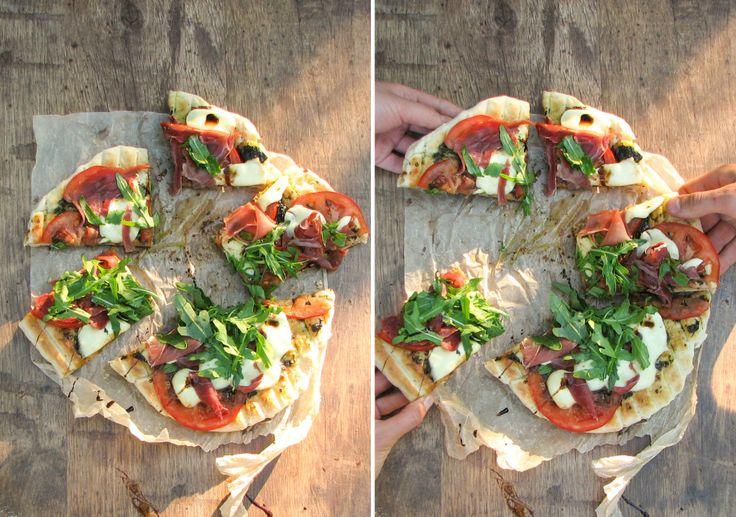 #кулинария #блог #еда кулинарный_блог #evilolivefood #evilolive #food #blog #recipe #пицца #костер #гриль #grill #camping #сыр #прошутто #тесто