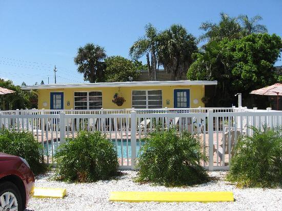 Driftwood motel holmes beach $98