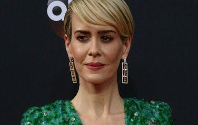 "@InstaMag - Actress Sarah Paulson felt the urge to hum singer Rihanna's songs on the set of the film ""Ocean's Eight""."